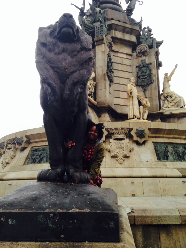 the lion near the statue to columbus in barcelona.